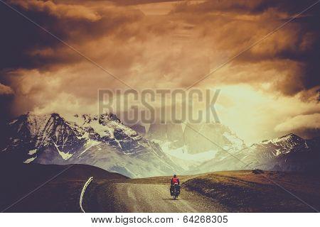 Cycling to Shandur Pass
