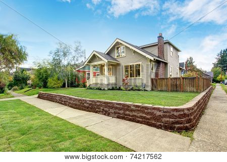 House Exterior With Front Yard Landscape