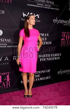 LOS ANGELES - OCT 18:  Jennifer Garner at the Pink Party 2014 at Hanger 8 on October 18, 2014 in Santa Monica, CA