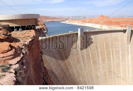 Glen Canyon Dam and Lake Powell on Utah/Arizona Border