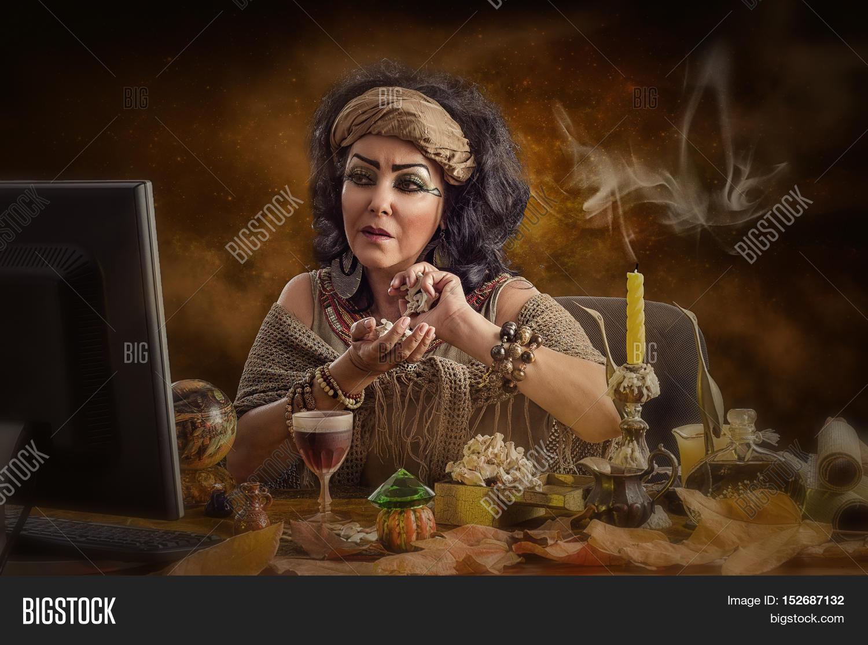 Female Egyptian Image & Photo (Free Trial) | Bigstock