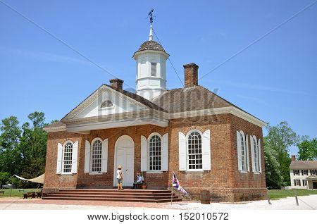 WILLIAMSBURG, VA, USA - MAY 7, 2012: Courthouse of British Colony inside Williamsburg Historic District in Williamsburg, Virginia, USA.