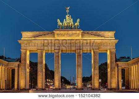 Night view of the Brandenburger Tor in Berlin