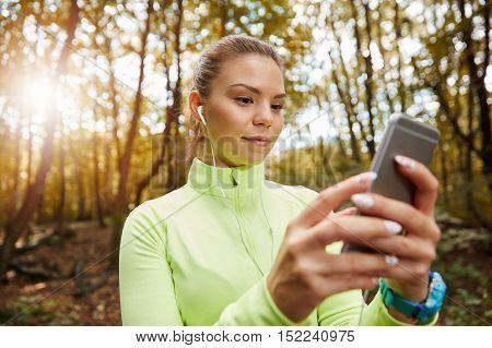 Choosing Playlist For Jogging
