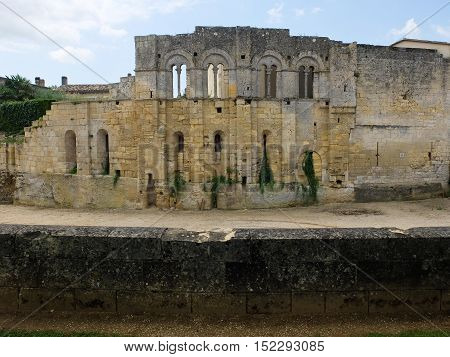 ruins of an old medieval castle near sant Emilion in France