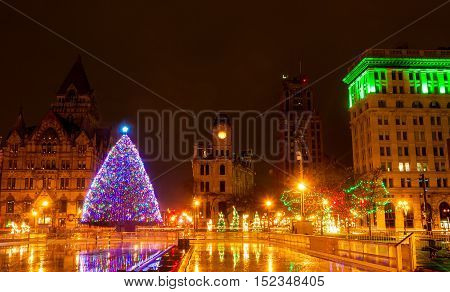 Clinton Square in Syracuse New York lit up for Christmas
