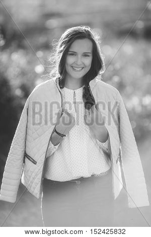 Black and white photo of attractive girl in park, bw shoot