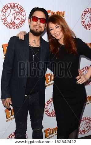 LOS ANGELES - OCT 17:  Dave Navarro, Cassandra Peterson at the
