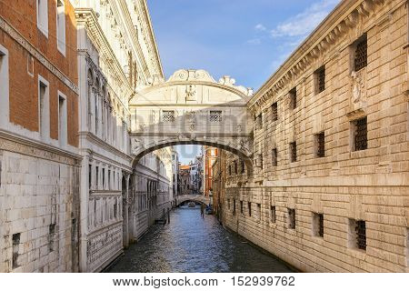 Bridge of Sighs, bridge connects the building of the Ducal Palace and the prison building, Venice, Italy