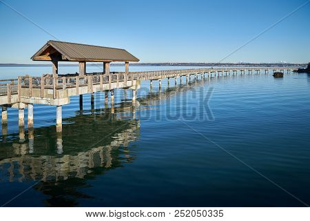 Boulevard Park Pier, Bellingham. Boulevard Park Pier on the shore of Bellingham Bay in Bellingham, Washington, USA. poster