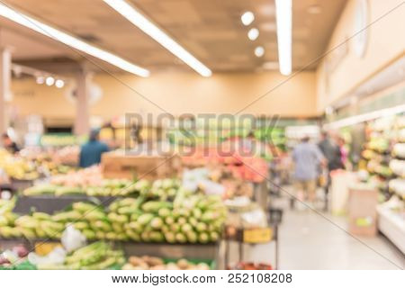 Abstract Motion Customer Shopping For Fresh Produces At Grocery In San Francisco