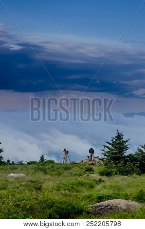 Photographers In The Roan Highlands Capture Amazing Fog