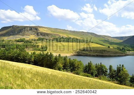 Dovestone Reservoir Lies At The Convergence Of The Valleys Of The Greenfield And Chew Brooks Above T
