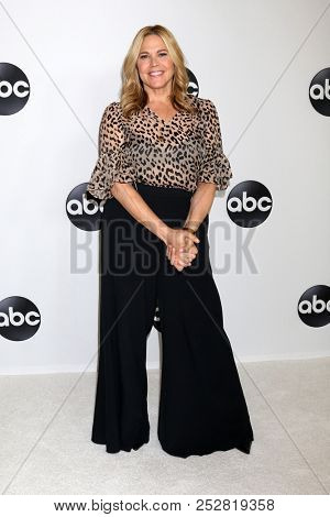 LOS ANGELES - AUG 7:  Mary McCormack at the ABC TCA Party- Summer 2018 at the Beverly Hilton Hotel on August 7, 2018 in Beverly Hills, CA