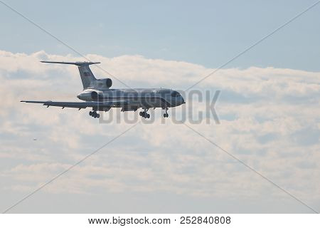 Novosibirsk, Russia - June 7, 2018: Tupolev Tu-154m Rf-85856 Russia - Navy Approaches For Landing At
