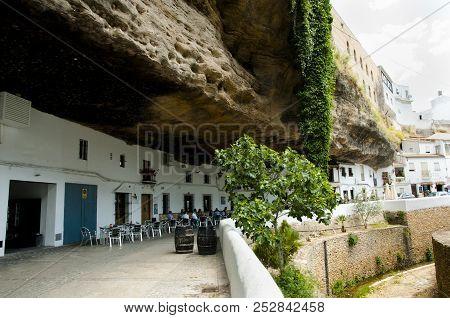 Setenil De Las Bodegas Village - Spain