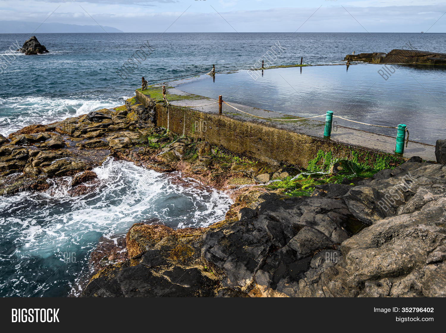 Abandoned Outdoor Pool Image Photo Free Trial Bigstock