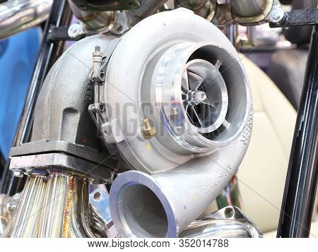 Turbo Charger Component Parts For Diesel Engine ; Made From Iron , Aluminium , Steel Casting And Mac