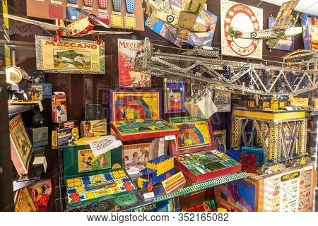Brighton, England - December 10, 2019 : Old Vintage Meccano Dinky Toy Electrical Experiments, Dinky