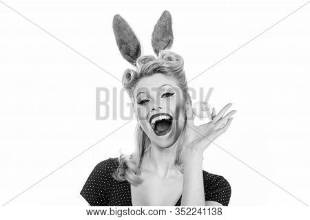 Pin-up Bunny. Beautiful Blonde Girl With Bunny Ears And Easter Egg. Easter Cards. Pin Up Easter. Bun
