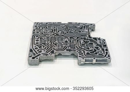 Aluminum Or Alloy Oil Channels Cylinder Head Car Engine Or Pump For Automobile Part From High Pressu