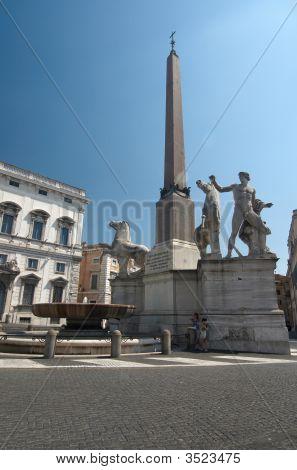 Fontana Dei Dioscuri On Piazza Del Quirinale.