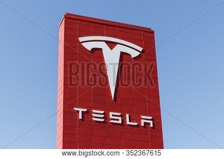 Cincinnati - Circa February 2020: Tesla Service Center. Tesla Designs And Manufactures The Model S A