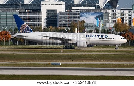 Munich / Germany - October 4, 2017: United Airlines Boeing 777-200 N786ua Passenger Plane Arrival An