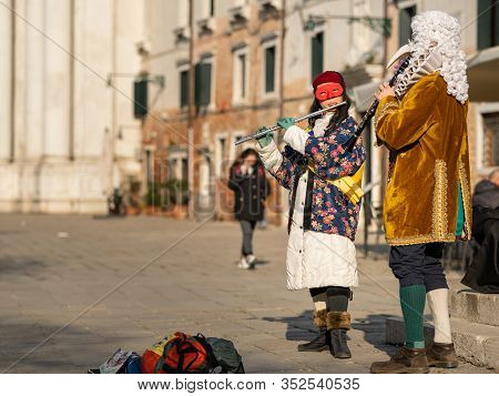 Venice / Italy 02 08 2020: Street Musicians (flute And Clarinet) In Carnival Disguise In February In