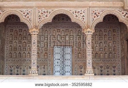 Agra, India - January 2, 2020: Diwan-i-am, Or Hall Of Public Audience In Red Fort Of Agra.  It Was T