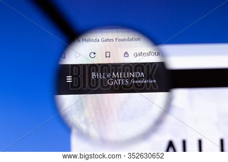Los Angeles, California, Usa - 25 February 2020: Bill And Melinda Gates Foundation Bmgf Website Home