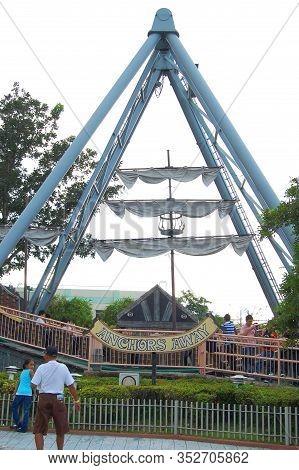 Laguna, Ph - Nov 7: Enchanted Kingdom Theme Park Anchors Away Ride On November 7, 2009 In Santa Rosa