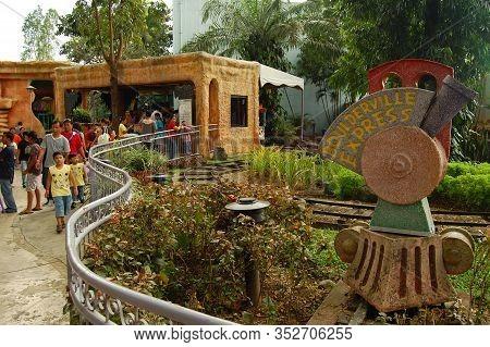 Laguna, Ph - Nov 7: Enchanted Kingdom Theme Park Train Ride On November 7, 2009 In Santa Rosa, Lagun