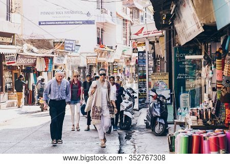 Rishikesh, India - Feburay 22, 2020: Market Scene With Shops, Tourists, Motorbikes And Booths In Dow