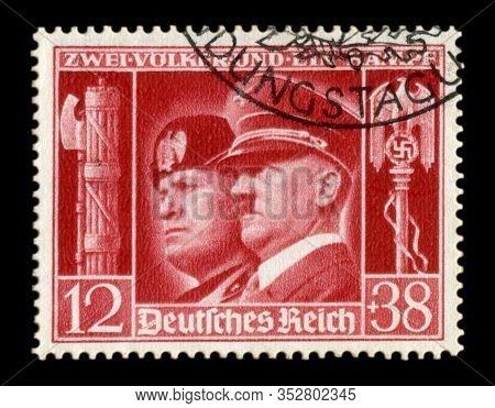 Germany - Circa 1941:  German Historical Stamp: German-italian Brotherhood In Arms, Portraits Of Hit