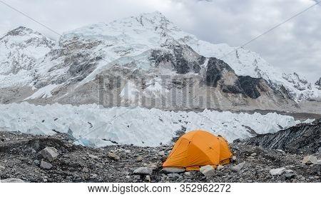 Senery View Of Everest Base Camp In Nepal With Himalaya Mountain Range Nuptse,everest,lhotse In Back