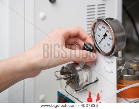 Hand, Injector