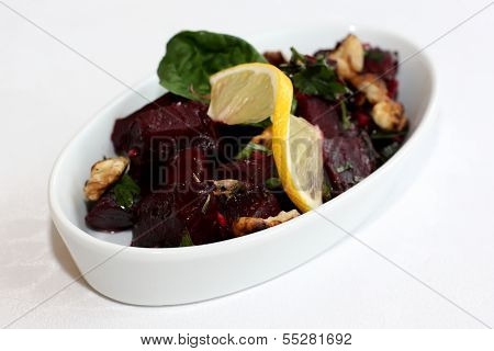 Beetroot salad with lemon and cumin