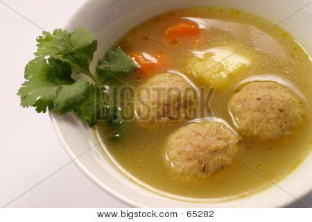 Kneidel Soup