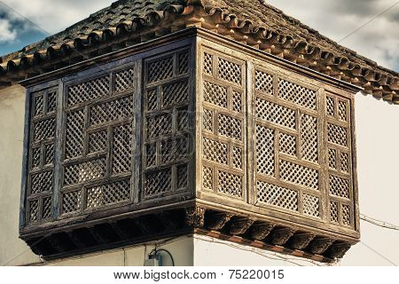 Wooden latticework