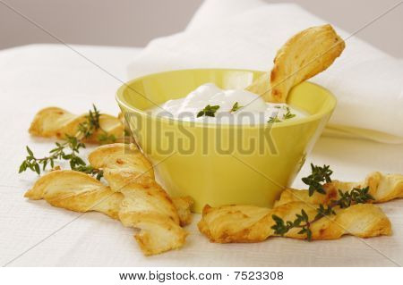 Cheese sticks with yogurt