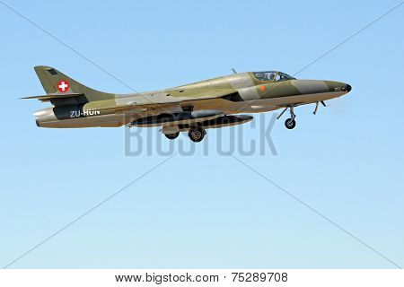 Hawker Hunter T.68 Fly-by
