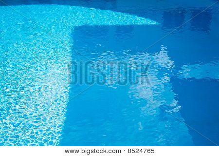 Aqua Abstratta