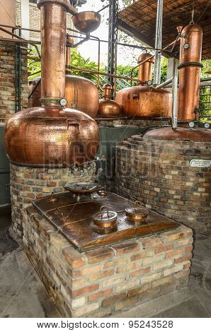Equipment for the production of rum.Cachaca