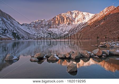Convict lake is an alpine lake in the Eastern Sierras close to the highway 395.