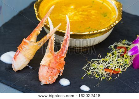 Yellow Crab Curry