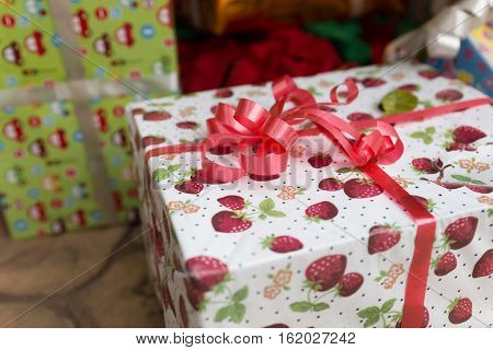 Winter Rain Drop On Colorful Gift Box, Christmas And New Year Festival