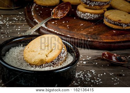 Cooking Alfajores