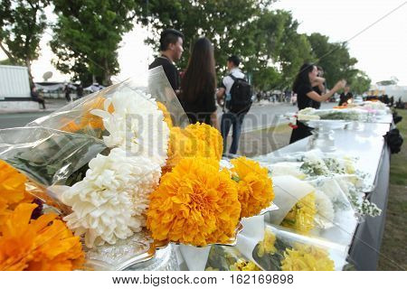 BANGKOKTHAILAND : Movement Thai people mourners together with the flower on the road at Wat Phra Kaew on October 22 2016