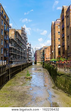 Side Canal Of The Thames In Southwark, London